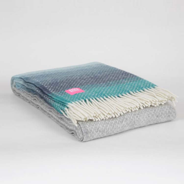 Lifestyle Ombre Seaside Wool Throw