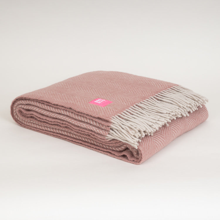 Lifestyle Herringbone Dusky Pink Wool Throw