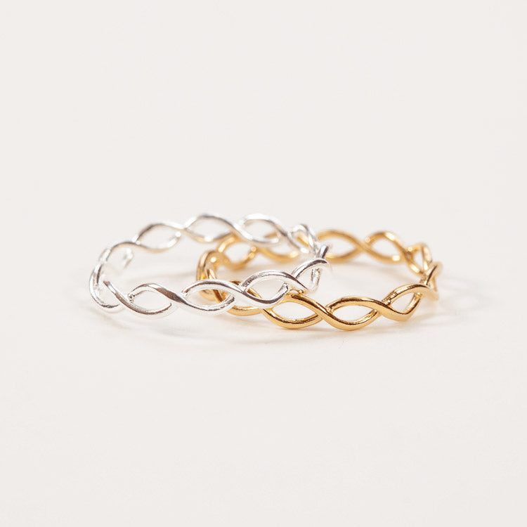 A gold and silver Entangled ring designed by Pernille Corydon