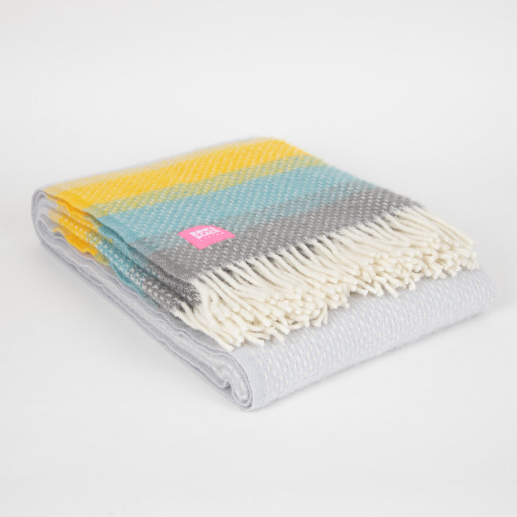 Lifestyle Ombre Tidal Wool Throw