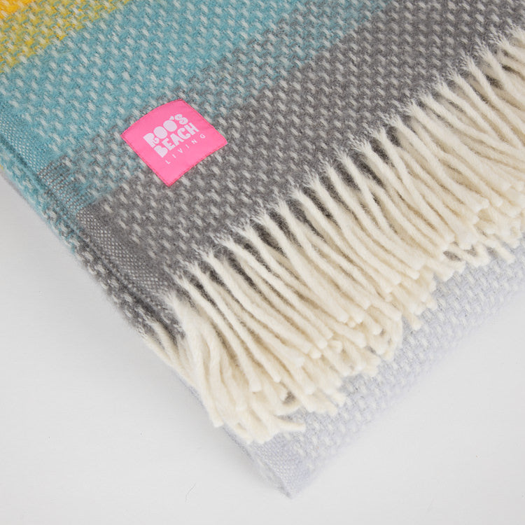 Lifestyle Ombre Tidal Wool Throw - detailed view