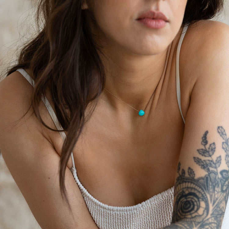 Model wearing a Wanderlust Life Arizona Turquoise Necklace