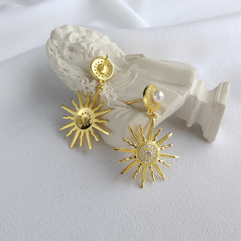 Golden Sun Flower Round Cut Sterling Silver Plated Gold Stud Earring