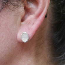 Load image into Gallery viewer, mother of pearl sterling silver stud earrings