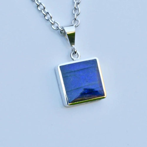 labradorite silver pendant handmade in the UK by Andrew Thomson