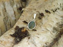 Load image into Gallery viewer, labradorite silver pendant oval