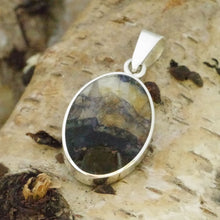 Load image into Gallery viewer, blue john and lapis reversible pendant in silver