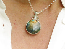 Load image into Gallery viewer, labradorite pendant in hallmarked silver
