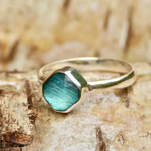 Load image into Gallery viewer, Labradorite Square Silver Ring