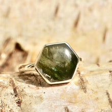 Load image into Gallery viewer, Labradorite Hexagon Style Ring