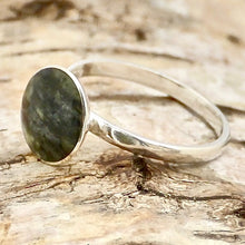 Load image into Gallery viewer, connemara marble round silver ring