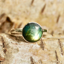Load image into Gallery viewer, Labradorite Silver Ring Round Design