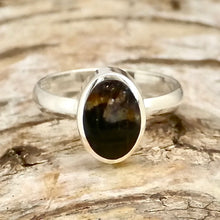 Load image into Gallery viewer, handmade blue john ring in sterling silver