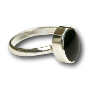 handmade whitby jet sterling silver ring