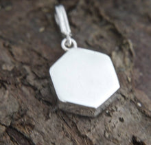 Load image into Gallery viewer, Blue John Pendant Hexagon Design