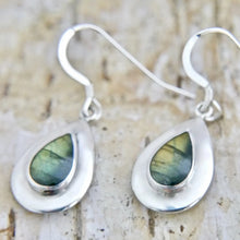 Load image into Gallery viewer, Labradorite Silver Drop Earrings Peardrop