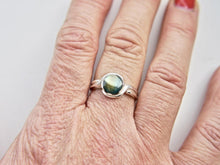 Load image into Gallery viewer, Labradorite Silver Ring 8mm Round