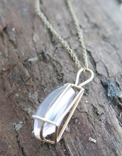 Load image into Gallery viewer, Rose Quartz 9ct Gold Pendant and Chain