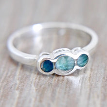 Load image into Gallery viewer, Three Stone Labradorite Silver Ring