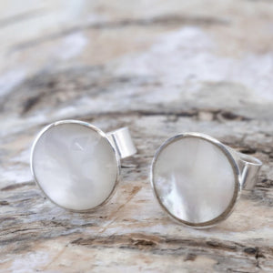 Mother of Pearl Round Stud Earrings 9mm