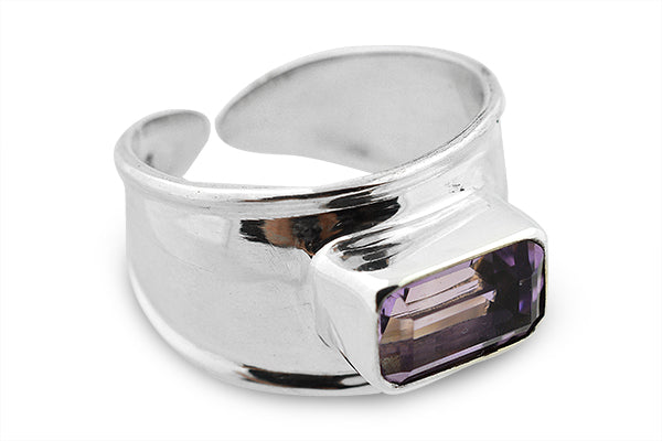 STERLING SILVER EMERALD CUT AMETHYST ONE SIZE RING