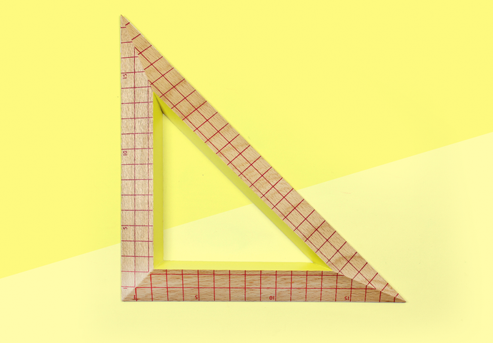 HAY – Wooden Ruler Triangle