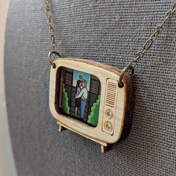 Retro Television Photo Frame Maple Wood Necklace