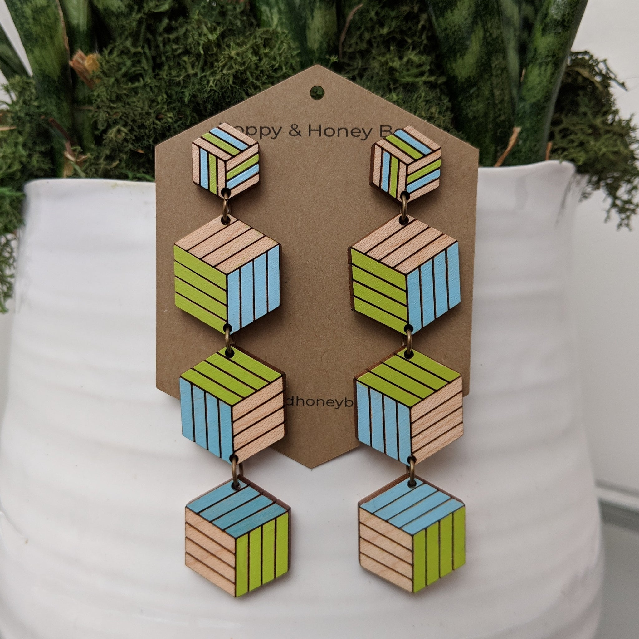 Expanding Cubes x4 Stud Earrings - Maple