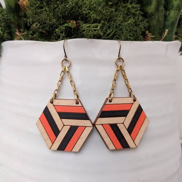 Knotted Hex Medium Earrings - Maple