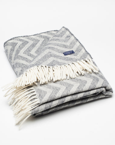 Zig Zag Throw in Natural and Grey