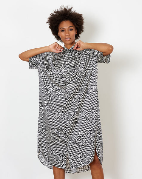 87a234230c988 ... 6397 Oversized Shirt Dress in Black and White Printed Silk ...