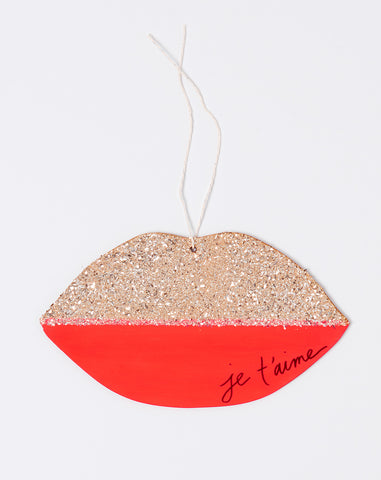 Atsuyo et Akiko X The Great Lakes Goods Je T'aime Lips Wall Charm in Coral