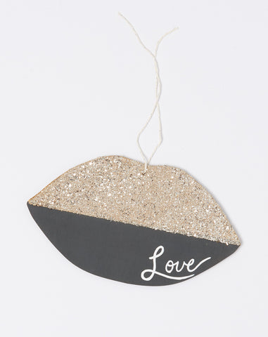 Atsuyo et Akiko X The Great Lakes Goods Love Lips Wall Charm in Charcoal