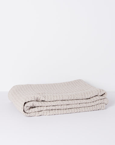 Simple Waffle Bath Sheet in Light Grey
