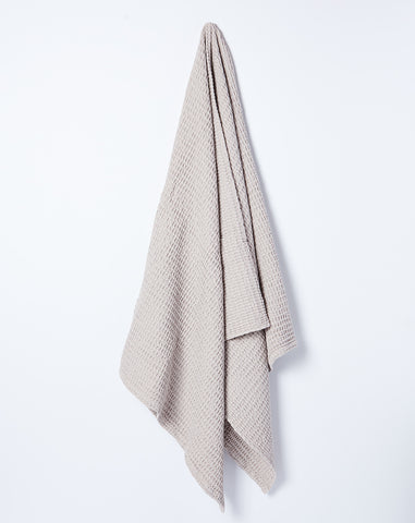 Simple Waffle Bath Towel in Light Grey