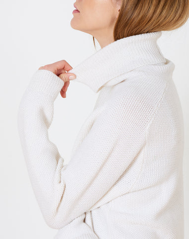 August Unisex Turtleneck in White