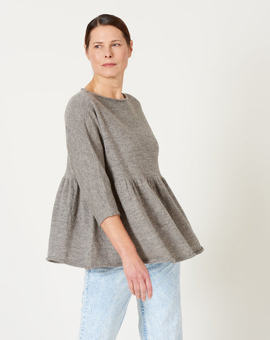 Tier Pullover in Grey Flax