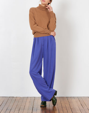 Josephine Pant in Purple