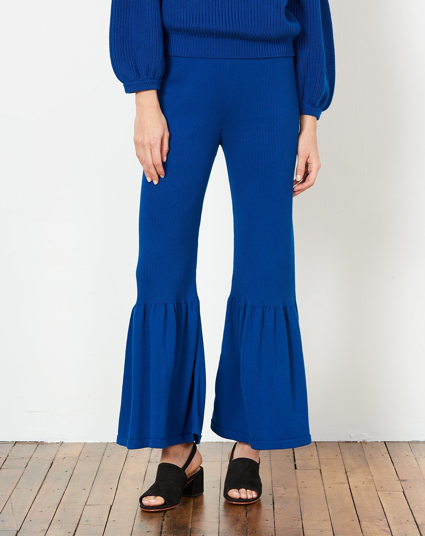 Linda Pant in Navy