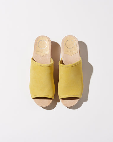Daria Clog on Mid Heel in Citrine