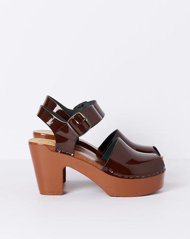 Jane Clog Peep Toe in Chocolate on Tobacco Lacquered Platform