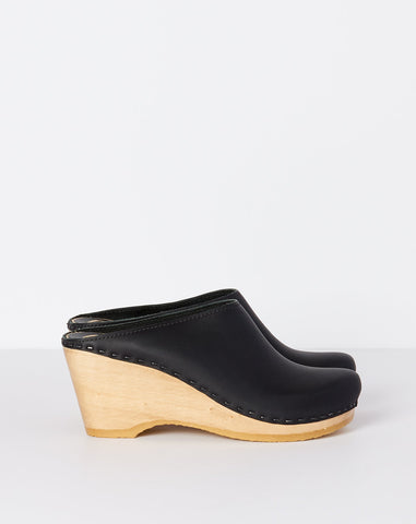 New School Clog on Wedge in Black