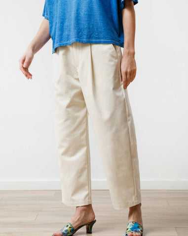 Pleat Trouser in Natural Canvas