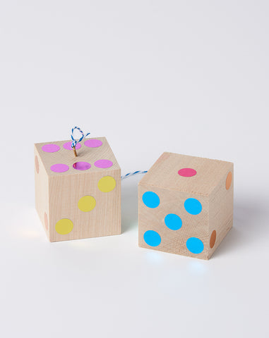 Hanging Dice in Metallic