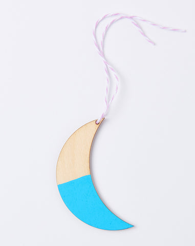 The Moon Sees Me Gift Tag in Pale Blue