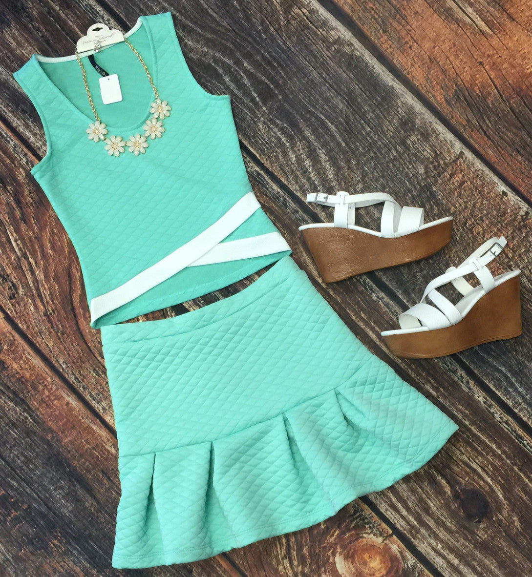 Cropped Mint Top