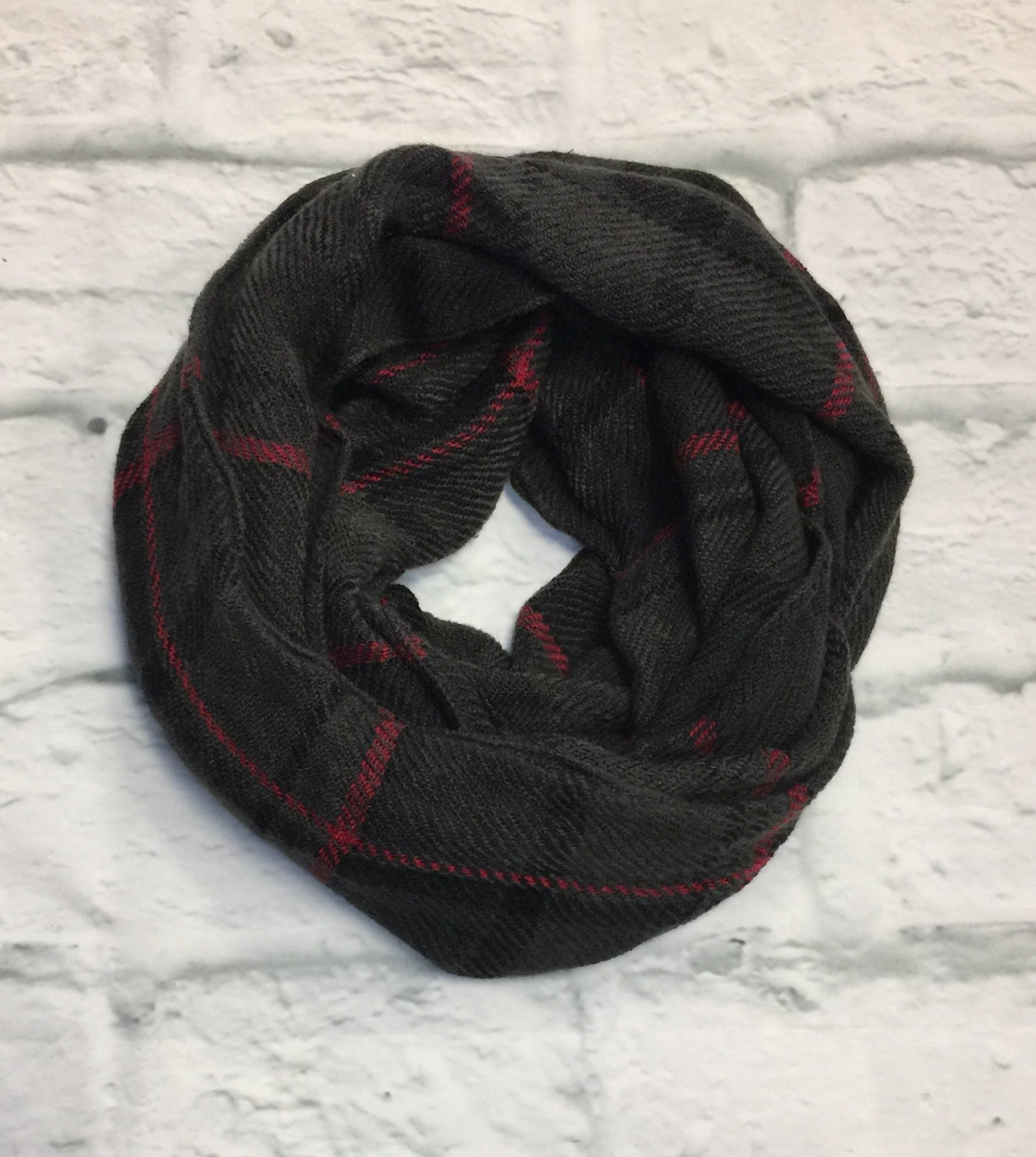 Get Caught Up in Grey Plaid Scarf