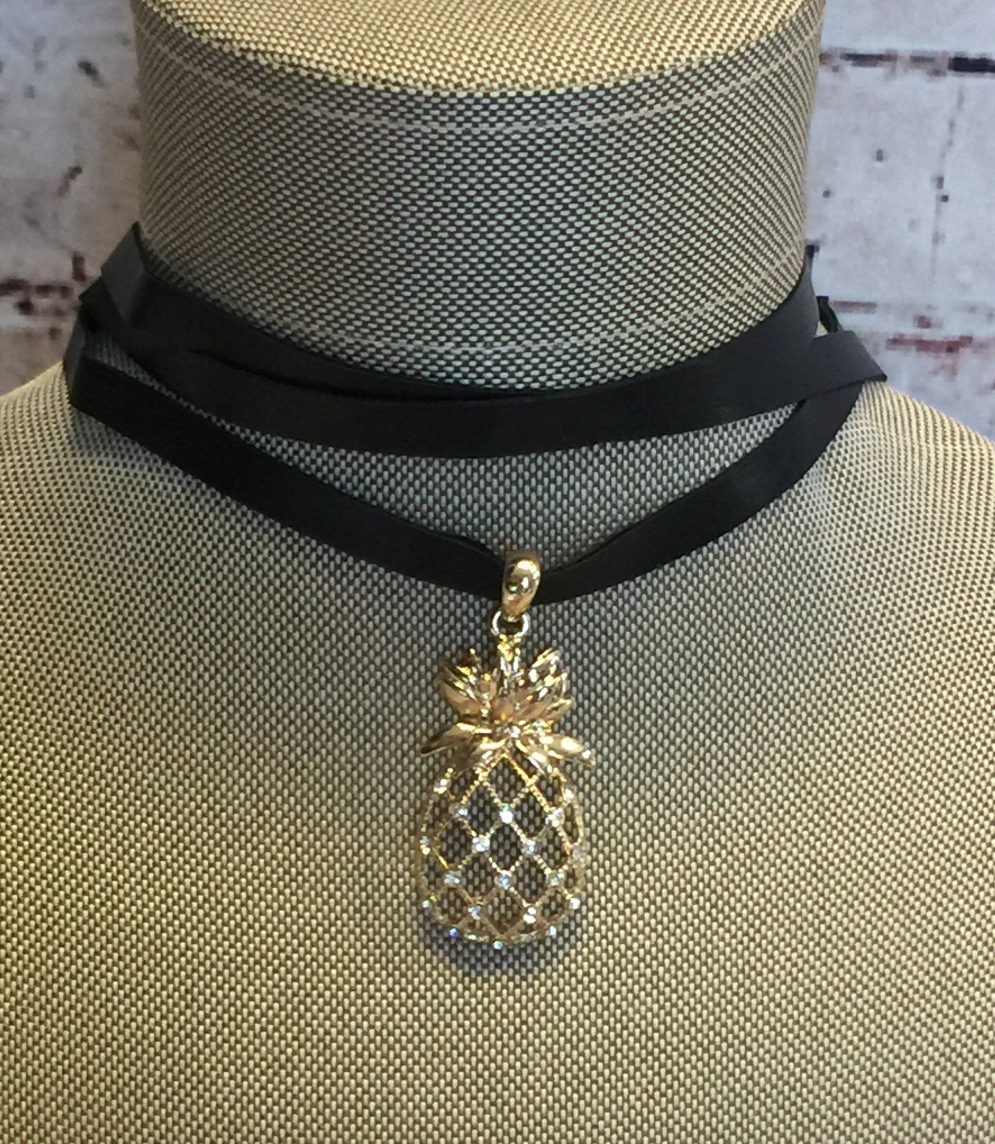Pineapple Choker