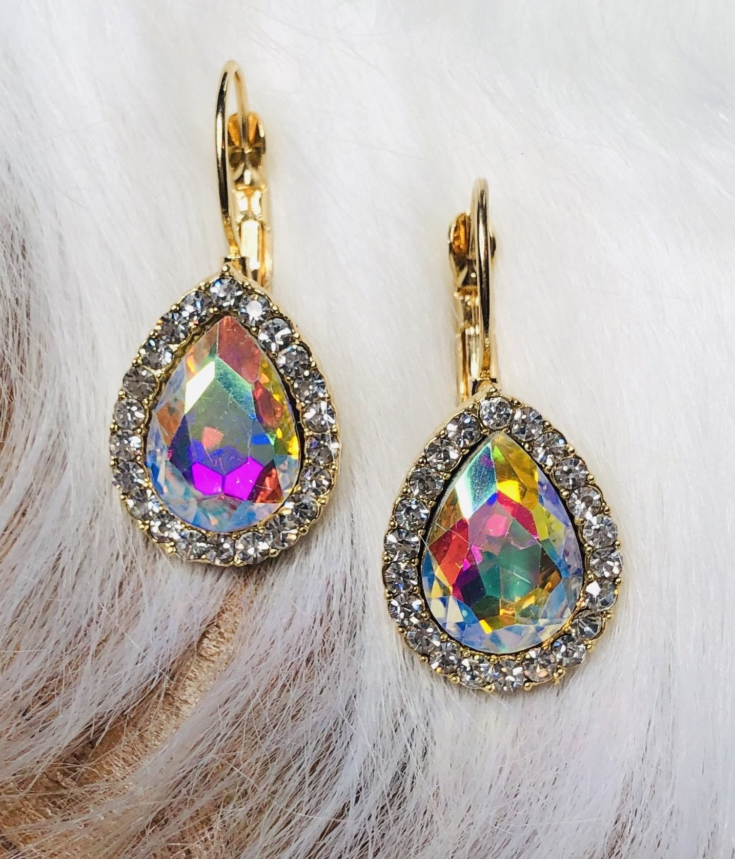 Simply Radiant Diamond Earrings: Gold