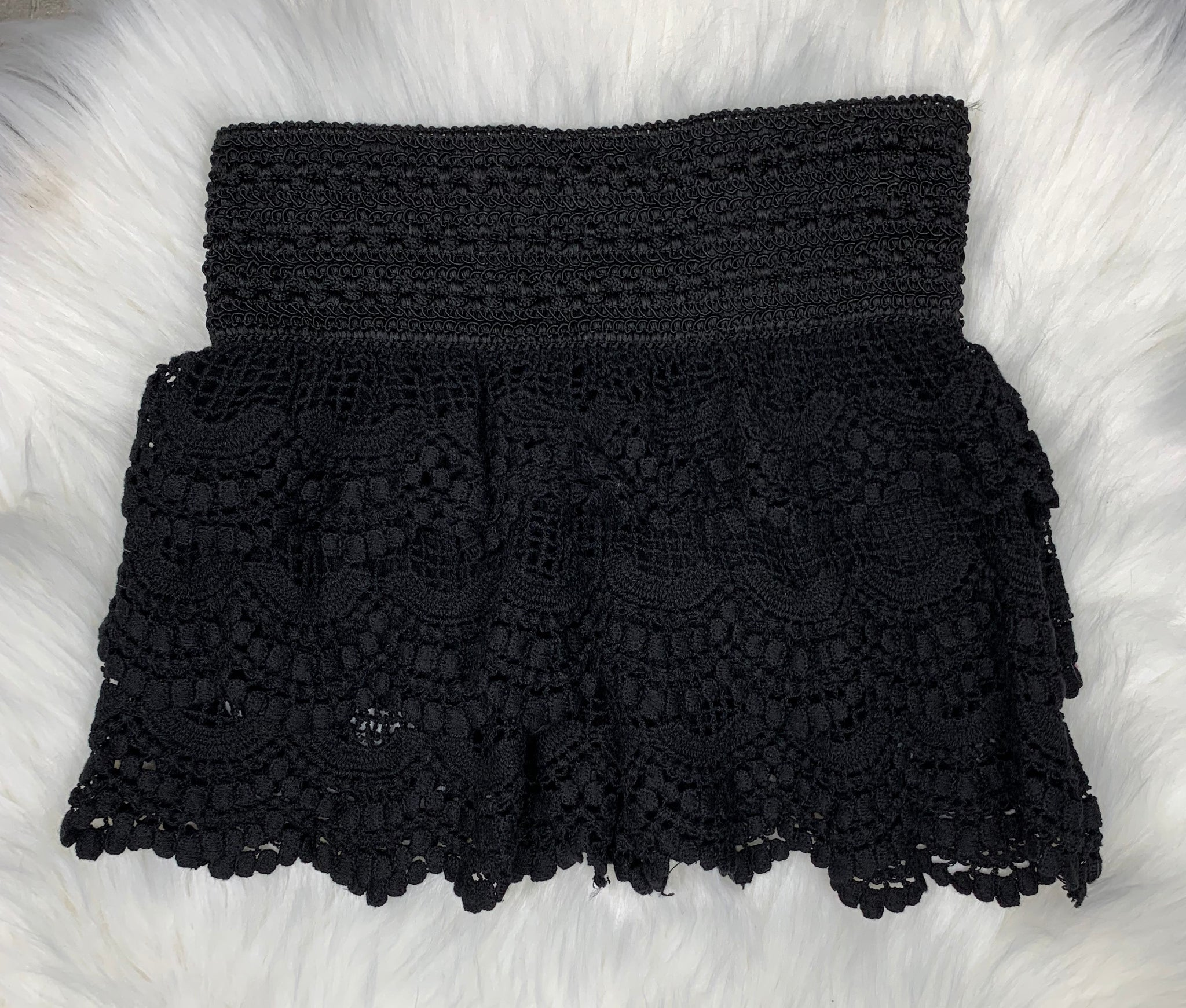 GIRLS Lace Shorts: Black